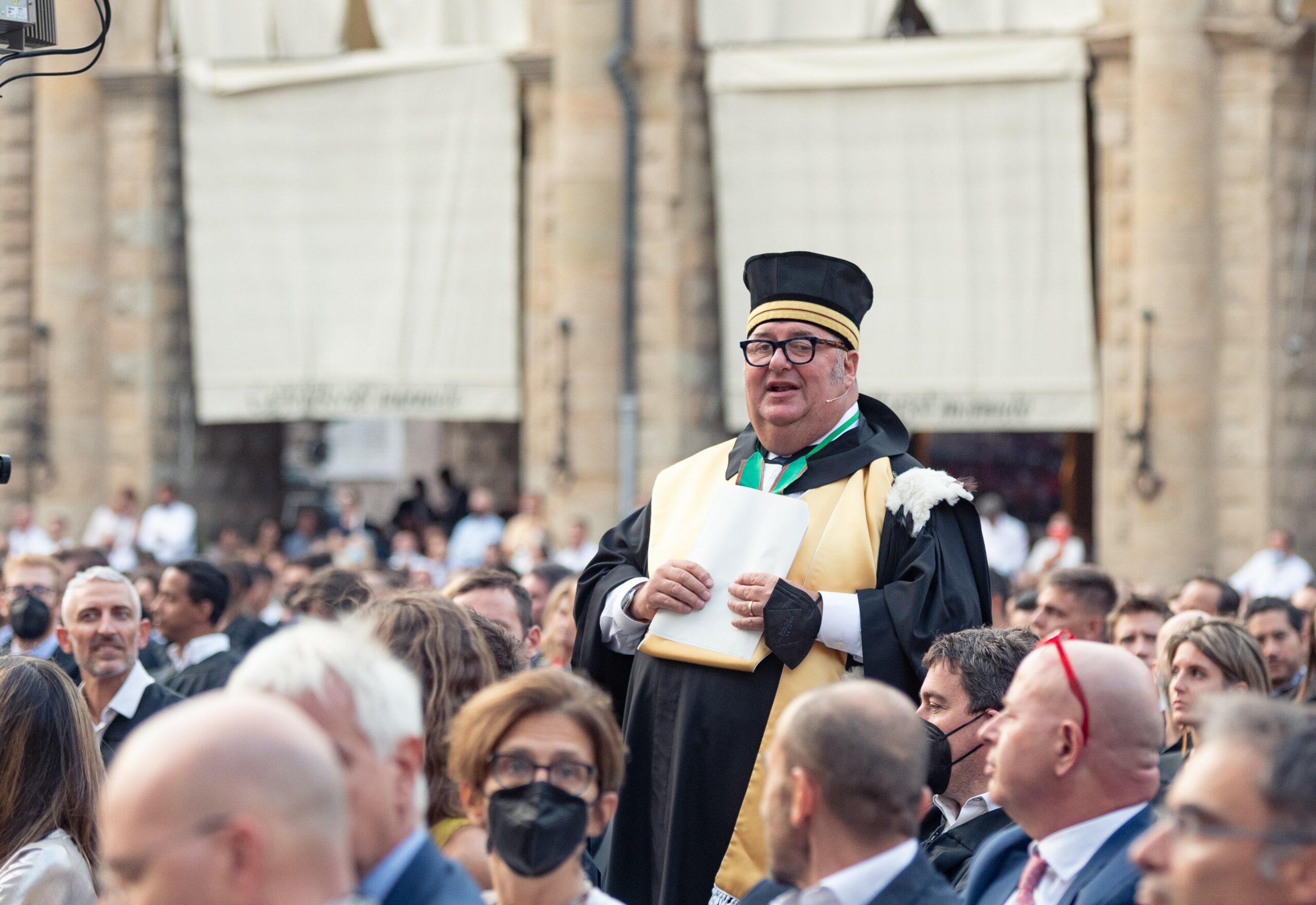 Dean_Piazza Maggiore_Graduation 2020|2021